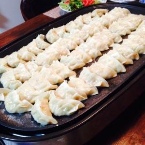 餃子の焼き方(ホットプレート編)で餃子います(^_-)